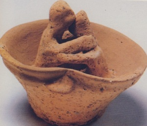 Πανάρχαιο φιλί, 900π.Χ. -πρωτογεωμετρική περίοδος, Αρχαιολογικό Μουσείο Ηρακλείου