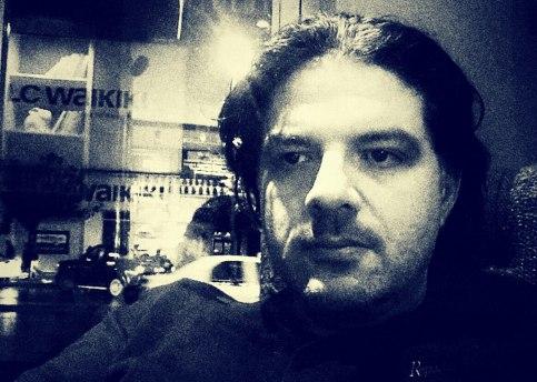 Γιάννης Γιγουρτής,   φιλόλογος, με μεταπτυχιακές σπουδές στην Γερμανία - διδάσκει στο Ελληνικό Λύκειο(Γυμνάσιο;) της Πόλης.