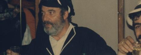 """Δημήτρης Γιγουρτσής(1934-2003), επιτυχημενος έμπορος αλλα και σκιτσογράφος της ΤΟΛΜΗΣ, με τα περίφημα """"Ούφο """"του"""