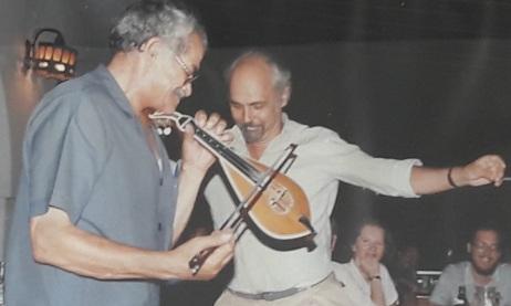 Με τον Κώστα Μουντάκη, φωτογραφία από το σπίτι του