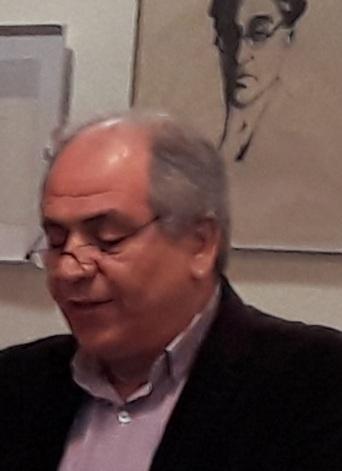 Μανόλης Αργυράκης, πολλά χρόνια στην ΤΟΛΜΗ, εξαιρετος δημοσιογραφος άνοιξε την εκδηλωση