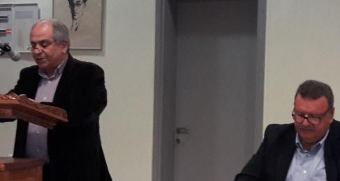 Δεξιά Κώστα Τριγώνης, πρύτανης της τοπικής δημοσιογραφίας,οικοδεσπότης τςη εκδήλωσης