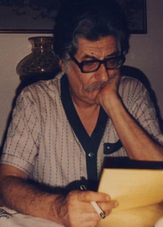 Ο Μανόλης Αναγνωστάκηςς προβληματισμένος, να φαναζόταν ότι 32 χρόνια μετά , θα έπρεπε να ...απολογηθεί
