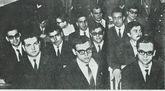 Δίκη του ΡΗΓΑ ΦΕΡΑΙΟΥ 1968, στο κέντρο Νίκος Γιανναδάκης