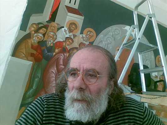 Ο αγιογρ'αφος Μιχαλης Βασιλάκης, στο εργαστήριό του, στο κέντρο του Ηρακλείου (2011)