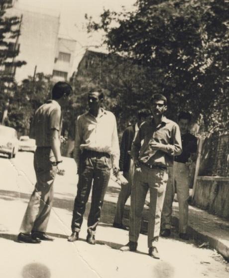 1966 (;) δεξιά  στο πρώτο επίπεδο,ο Σίφης Καμάρης και δεξιά του ο Νίκος Βεριγάκης-δεξιότερα πίσω Γιώργος Ζεβελάκης