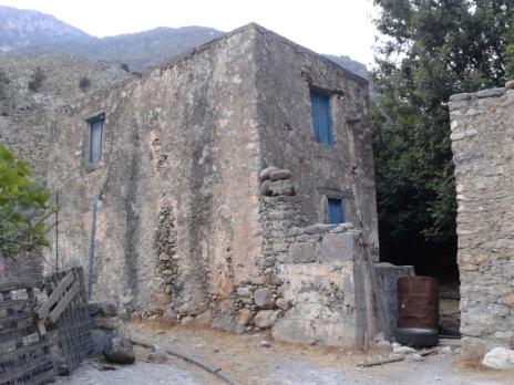 Παλιά σπίτια του οικισμού, καλά συντηρημένα