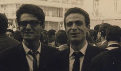 Δεξιά Νίκος Βεριγάκης πρόεδρος του Συλλόγου Κρητών Φοιτητών, δίπλα του Σίφης Καμαρης Γεν.Γραμματέας.