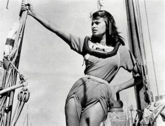 Η Σοφία Λορές, 1955 στα νησιά του Αιγα'ιου-κόντεψαν να την πνίξουν οι θαυμαστές της
