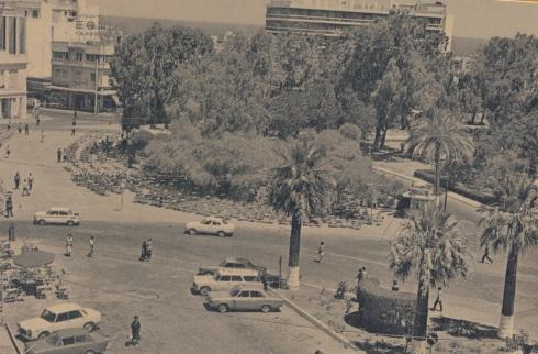 Η τριχοτόμηση της πλατείας στα 1970, δεν κατέστρεψετο κιόσκι