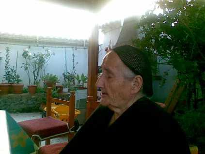 Όγλα Σμπώκου Δακανάλη, από τις τελευταίες φωτογραφίσεις της ,στο σπίτο της κόρης της Κρήτης, στην οδό Παλαιοκάπα